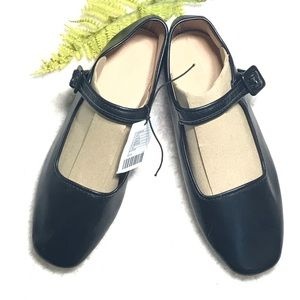 NWT Urban Outfitters Black Mary Jane flats Size 8